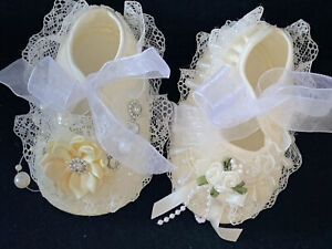 GIRLS-IVORY-LACE CHRISTENING SHOES-SPECIAL OCCASION -DIAMANTE -PRAM SHOES-CROSS