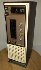 Vintage 70s MAGNAVOX FLIP CLOCK TOWER AM/FM Radio 1R1784 1972 Wood Grain Alarm