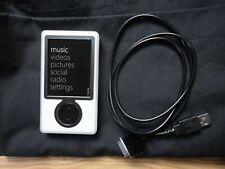 Zune Model 1090 White 30Gb Digital Media Player Working Condition