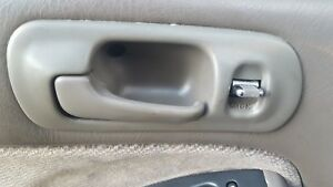 1997 HONDA CIVIC SEDAN LEFT DRIVER FRONT DOOR INTERIOR HANDLE OEM TAN 1996-2000