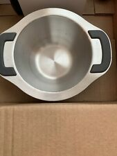 Pampered Chef stainless steel bowl - 7 cups with silicone tab handles