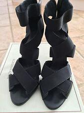 BCBG MAXAZRIA CHRISTINA Black Strappy Womens Designer Shoes Sandals  8.5 EU 37.5