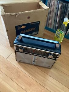 Raleigh 17 Multi band Transistor Radio W/Original Box & Inserts FM-1759 New