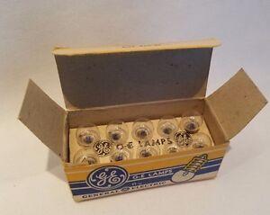 Boite De 10 GE Numéro 502 GE502 Miniature Lampes Ampoules 5V .15A 4 Size F Cells