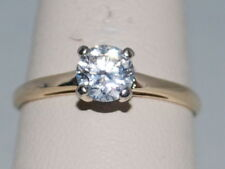 14k Gold ring with a CZ and beautiful design