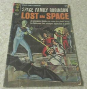 Space Family Robinson Lost in Space 18 (VG 4.0) 1966, 40% off Guide!