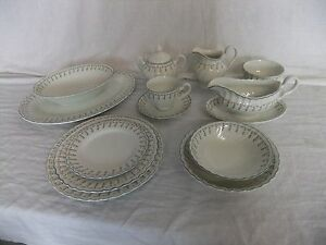 c4 Pottery Johnson Brothers - Dreamland - fluted dainty floral tableware - 4D2B