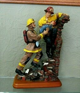 "2000 Vanmark Red Hats Of Courage DOUBLE TEAM Fireman Figurine-  10"" tall"