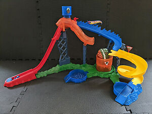 Hot Wheels Colour Shifters Piranha Attack Track Set Unboxed NM