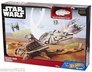 Hot Wheels Star Wars the Force Awakens Escape from Jakku Playset Die Cast Falcon