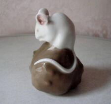 Figur Maus auf Kastanie Royal Copenhagen Eric Nielsen Porzellan