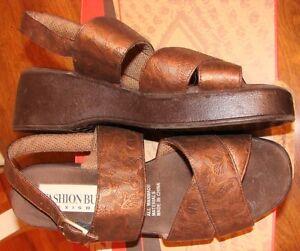 Fashion Bug Embossed BUTTERFLIES Platform Sandals Shoes BRONZE, BROWN - EUC  9