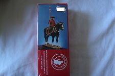 Figurine kit 54mm. Andrea. Tunique rouge XXe siècle.