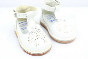 White Rilo Baby Toddler Shoes Size 4 or 5 Handmade Mexico SEE DESC