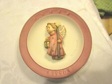 1996 Annual Christmas Plate - Ezr