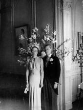 The Duke and Duchess of Windsor UNSIGNED photograph -L4056- In 1937 - NEW IMAGE