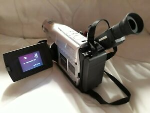 JVC GR-FXM40EK COMPACT VHS CAMCORDER 700X DIGITAL ZOOM & ACCESSORIES PWO/TESTED