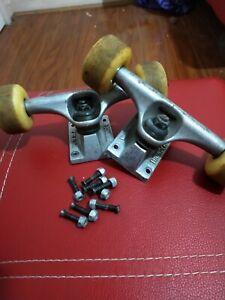 2x Thunder Skateboard Trucks With Wheels And Bearings
