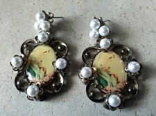 VINTAGE IMITATION PEARL & BRONZE BAROQUE MOTHER MARY DANGLEY EARRINGS J036