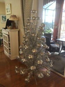 Vtg Aluminum Silver 69 Pom Pom Christmas Tree box Consolidated Novelty Co 5 1/2'