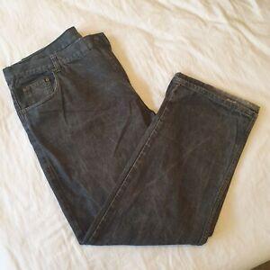 Men's Size 42 Black Denim Straight Leg Jeans N00512