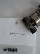6 NOS Life~Like M and Rokar HO Slot Car pinion gears