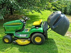 John Deere Ride On Lawn Mower Tractor *FULLY FUNCTIONAL*  LTR180
