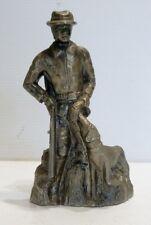 Beau BRIQUET Ancien avec Statuette Personnage Chasseur en Régule