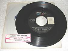 """Ricky Skaggs """"Don't Cheat In Our Hometown/ Children Go"""" 45 RPM,7"""",+Jukebox Strip"""