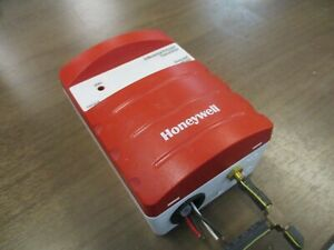 Honeywell Differential Pressure Transducer P7640B1032 Proof: 3PSI Used