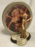 "Marilyn Monroe plate & Statue Bradford Exchange.""The Fashions Of Marilyn Monroe"""