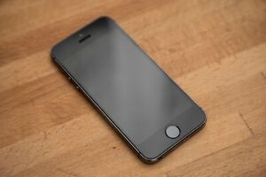 Excellent Condition Apple iPhone 5s - 32GB - Space Gray (Unlocked) A1533