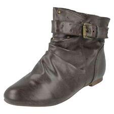 Calzado de niña Botas, botines de color principal marrón sintético