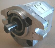 NEW SALAMI GEAR PUMP MODEL 1.6PE5.2D-R080S0    .32 CU IN DISPL - 2 HOLE MOUNT