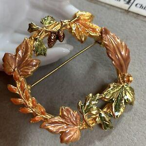 KC Kenneth Cole Enamel Maple Leaf Fall Wreath Autumn Pin Brooch Gold Tone