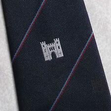Vintage Club Association Company Tie Château Crest Emblème 1990 S bleu marine à rayures rouge