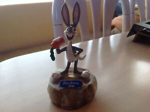 WARNER BROTHERS BUGS BUNNY STATUE ON A MARBLE 1940 LIMITED EDITION