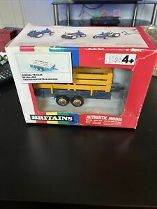 BRITAINS TRACTOR Animal Trailer 9555 IN BOX