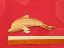 grand dauphin sculpté en bois Pièce unique.