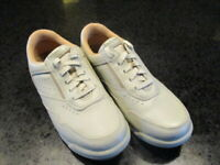 Rockport M7102W Tan Lace Up Women;s Size 7.5 M Leather  Comfort Walking Shoes