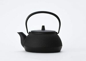 Rock casting (Iwachu) Iron kettle black baking 0.65L Iron kettle combined 0.65L