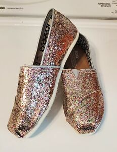 NEW! Toms Shoes Size 7