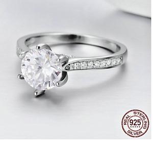 Anillo de Plata de Ley 925 con diamante de imitación (CIRCÓN)
