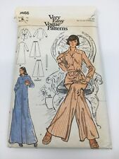 Vintage Vogue Pattern 8666  Pajamas and Robe  Size 14 Cut
