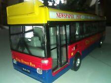 Modellino 1/60 di autobus urbano a retrocarica - DICKIE BUS