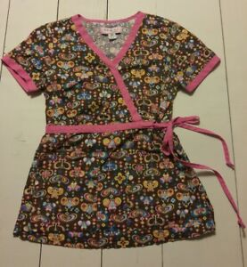 Womens KOI BY KATHY PETERSON SCRUB TOP Size XS Brown Butterflies Hearts Floral