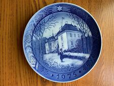 Royal Copenhagen 1975 Christmas Plate - The Queen's Christmas Residence