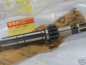 Suzuki T20 TC250 nos countershaft 1966-68  24121-11000