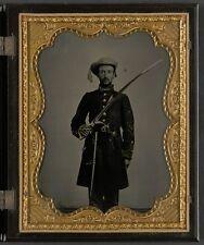 Photo Civil War Confederate 1st Mississippi Cavalry Regiment Sword and Revolver