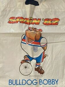 VINTAGE WORLD CUP - BULLDOG BOBBY - ENGLAND - SPAIN 82  -  PLASTIC BAG - GOOD